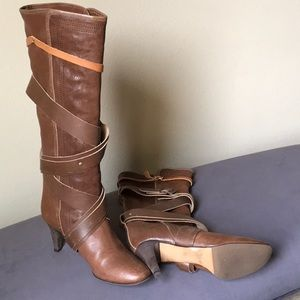 Distressed leather Chloè boots